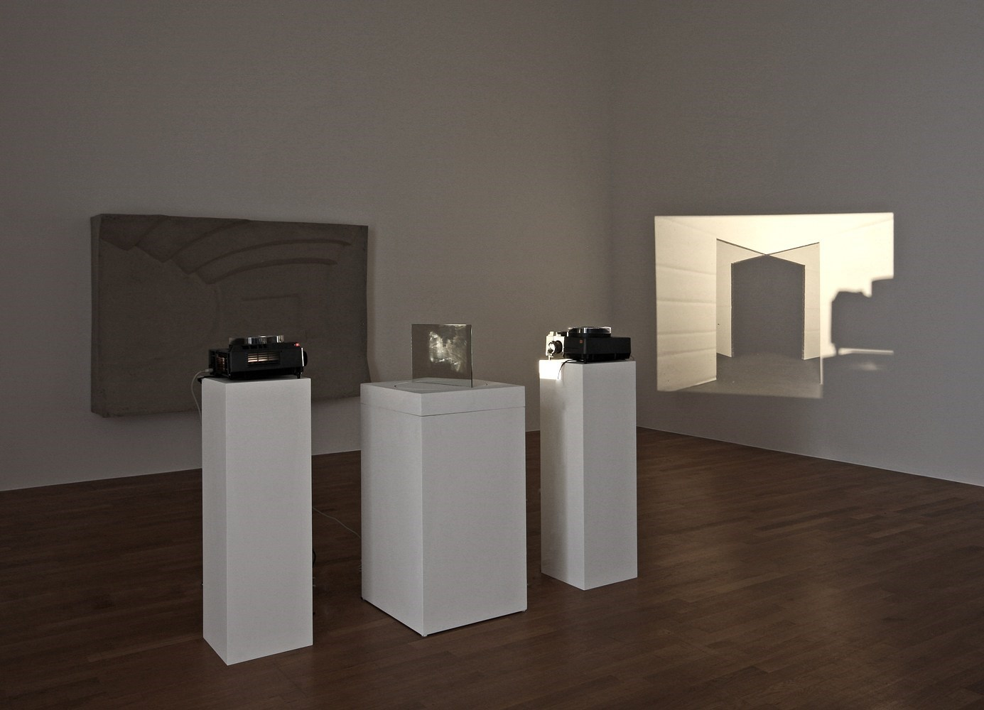 Untitled, slide projection, revolving mirror, 2010 <br />Installation view Kunstmuseum Bonn