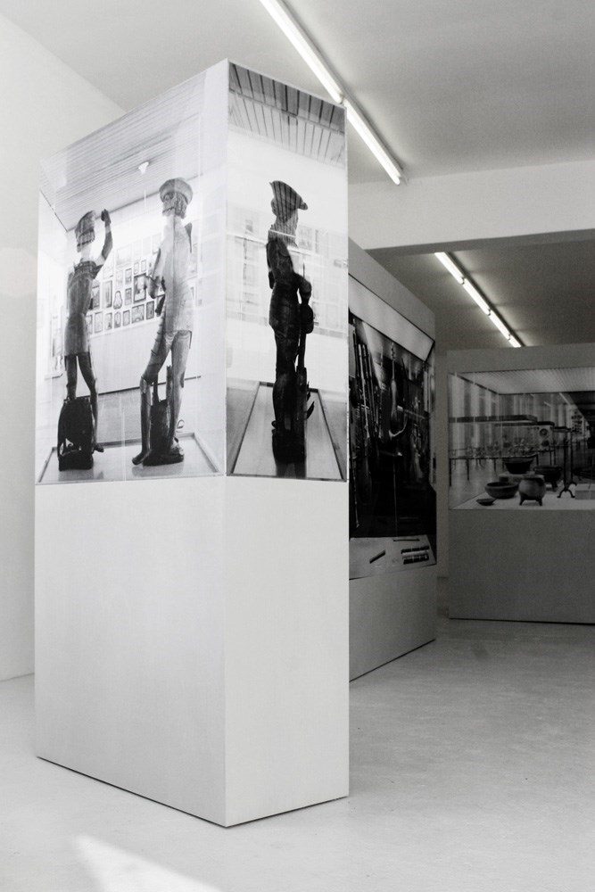 Vitrine (Florian und Georg), 180 cm x 40 cm x 90 cm, black & white prints and wood, 2011<br />Installation view Galerie Martin van Zomeren, Amsterdam